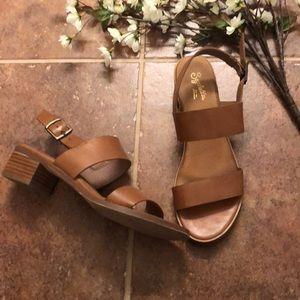 """Seychelles 1"""" block sandal. Size 9"""